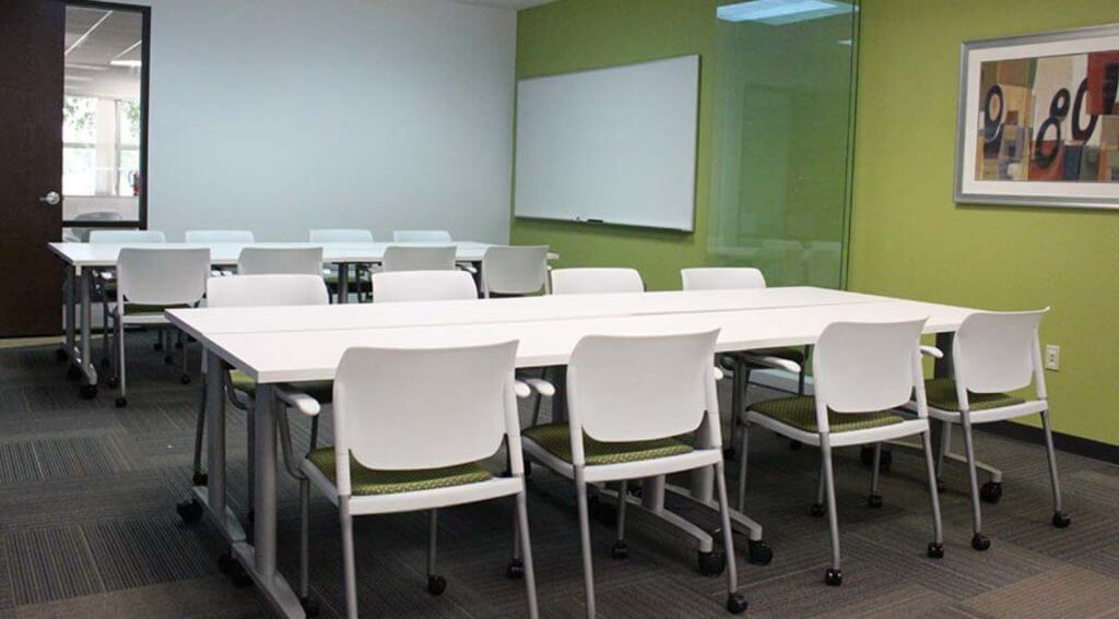 skyline_technologies_training_room